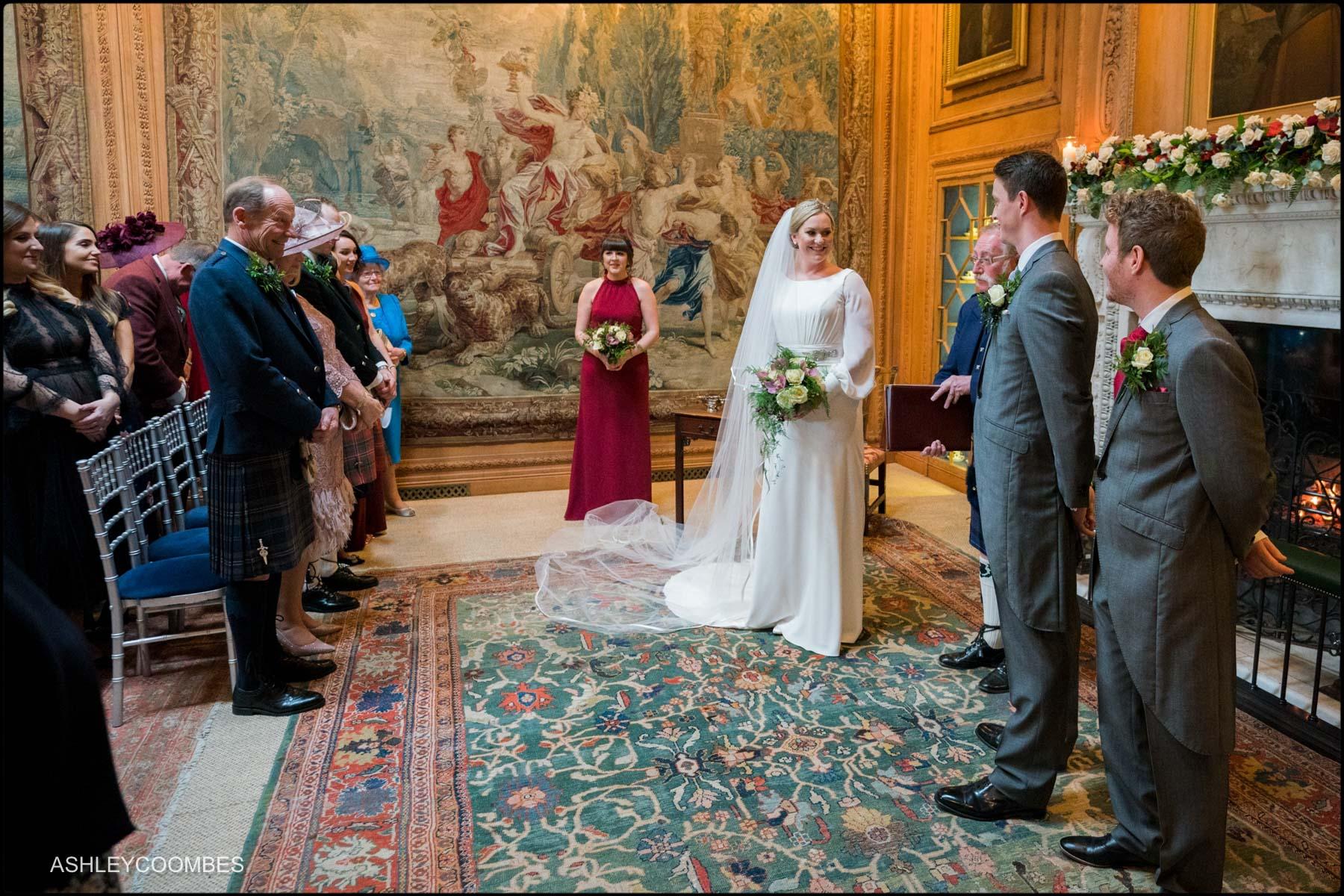 celebrant introduces couple